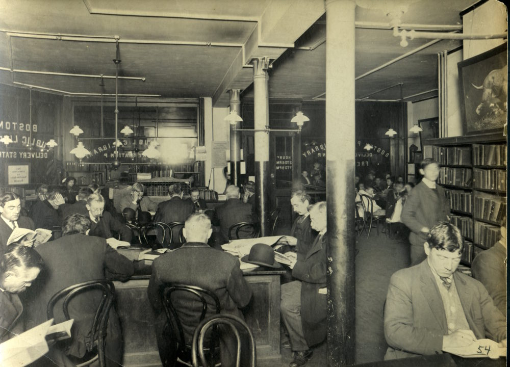 Reading room at 202 Harrison Avenue, c1910 / 夏裡臣街202號的閱讀室,1910年